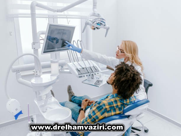 انجام ایمپلنت های دندانی برای تهیه یک دندان تک