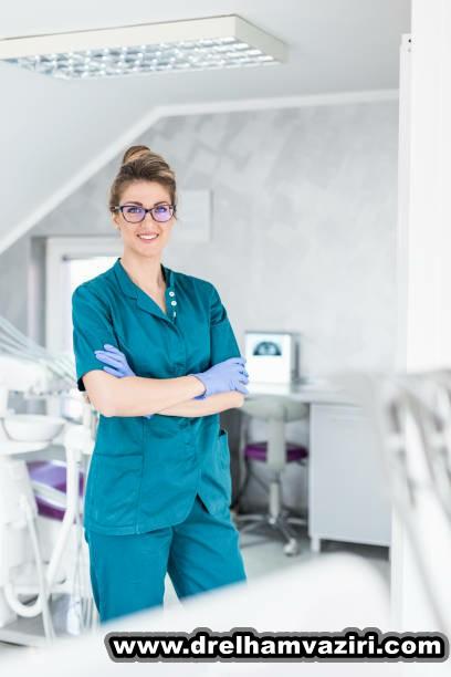 آیا به دنبال ایمپلنت دندان در کلینیک دکتر وزیری هستید؟
